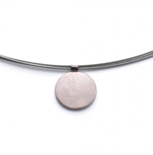 Halskette mit rundem Platten Anhänger eismatt rosegold