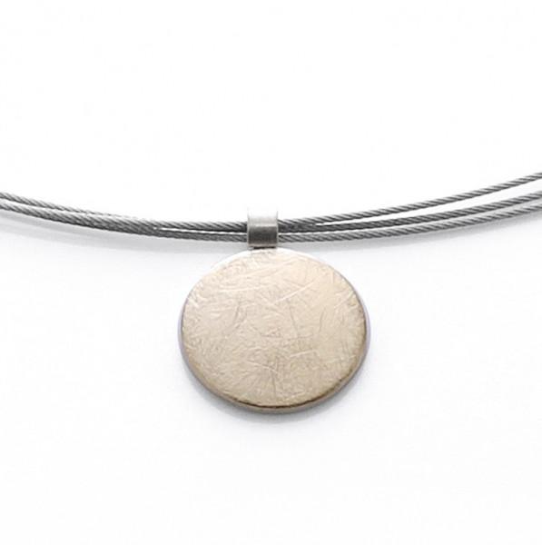 Halskette mit runder Platte Anhänger eismatt / gold