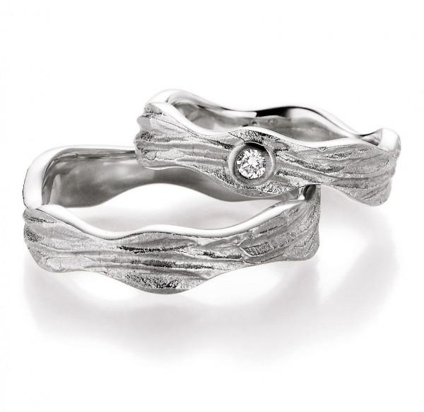 Wellenförmige Freundschaftsringe matt-poliert mit starker Struktur 925 Silber